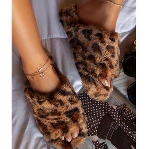Leopard Print Faux Fur Slip On Slides